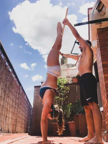 pica handstand walk